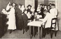 Consultatiebureau Rotterdam 1914 van den Nouweland » - en ook van de Pas/ Hartman/ Rens of Reijns/De Kort/De Beer/De Kock/Paijmans