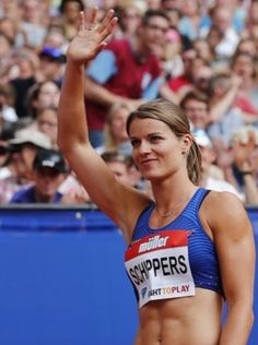 5 most memorable moments of 2016 - dafne likes. Dafne Schippers, Workout Pictures, Fitness Pictures, Female Surfers, Champion, Girls Golf, Fitness Design, Woman Beach, Track And Field