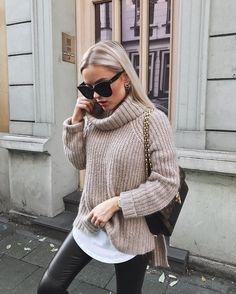 Herbst Winter #ootd #lotd #fashion Trends 2017/18 kuschelige Pullover zu Leder-Leggings