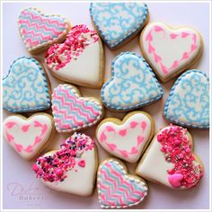Dulcia Bakery - How To Decorate Easy Valentine's Day Cookies