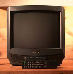 Rare SONY Trinitron 13 Color Crt TV Television w/ Sharpness Dvd Vhs Laserdisc Nintendo Video Games Gaming Amazing Remote Television Set, Vintage Television, Crt Tv, Sony Tv, Composite Video, Vintage Tv, Gadgets, Video Games, Nintendo