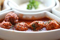 prepare your Lamb Kofta Curry on your own. Grab the lip-smacking Lamb Kofta Recipe at Lekha and give your Lamb Kofta a lingering taste. Veg Curry, Tandoori Chicken, Lasagna, Lamb, Beef, Cooking, Ethnic Recipes, Food, Pizza