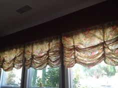How 2 Make Balloon Curtains At Home Featured Today on How2Girl Radio! #iheartradio – HOW2GIRL