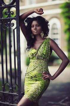 love this Anakara print and color....dress is uneventful....