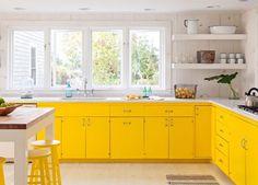 Yellow-white kitchen interior designs.