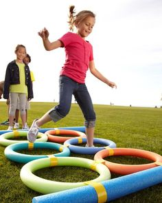 13 Tips to Help You Host a Fun Family Field Day – Experts share how to throw a f… – family activities best pin