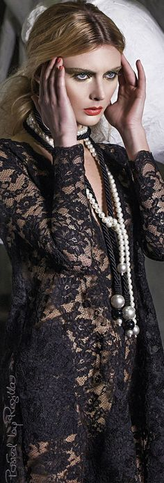 Feminine black lace and pearls♡♡♡♡♡ Glamour, Pearl And Lace, Chanel, Lingerie, High Fashion, Sexy, Ideias Fashion, Feminine, Gowns