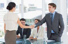 Wie überstehen Bewerber das zweite Vorstellungsgespräch? Worauf müssen Sie sich einstellen? Alle Tipps, die Sie zum 2. Vorstellungsgespräch wissen müssen...  http://karrierebibel.de/zweites-vorstellungsgespraech/