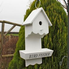 Combined white rustic wooden bird house & feeder hanging design for garden Wooden Bird Feeders, Wooden Bird Houses, Hanging Bird Feeders, Bird Feeder Plans, Bird House Feeder, Bird House Plans, Bird House Kits, Bird Tables, Birdhouse Designs