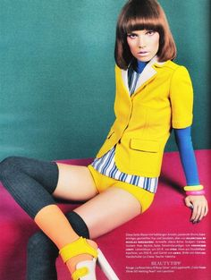 vogue germany color up - Photographed by Sebastian Kim, the Vogue Germany October 2010 'Color Up!' spread is definitely eye-catching. Starring model Suvi Koponen, this edi. Yellow Fashion, Colorful Fashion, Mod Fashion, Vintage Fashion, Retro Vintage, Vintage Style, Sebastian Kim, Vogue, Mellow Yellow