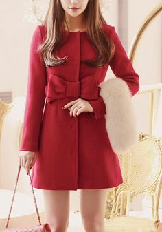 Darling coat with bow detail http://rstyle.me/n/vgdprnyg6