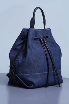 24 Cool Backpacks For The ColdThe finishing touch for your Canadian Tuxedo.Explore the Official Site of Opening Ceremony: a global fashion and lifestyle curator. Diy Jeans, Levis Jeans, Mochila Jeans, Denim Handbags, Recycled Denim, Denim Bag, Cool Backpacks, Mode Hijab, Handmade Bags