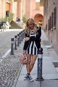 Stripes dress, black spring blazer, Converse All Star and See by Chloé bag - #outfit italian #fashionblogger It-Girl by Eleonora Petrella #fashion #itgirl #look #ootd #outfit #inspiration #lookbook #style