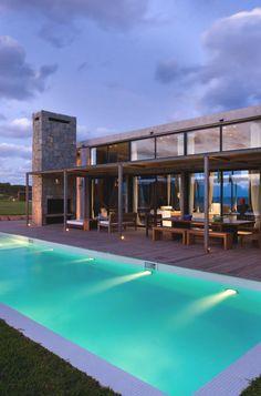 Contemporary #BeachHouse in La Boyita, Uruguay