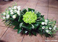 Bildergebnis für arranjos florais com proteas Funeral Floral Arrangements, Tropical Flower Arrangements, Church Flower Arrangements, Beautiful Flower Arrangements, Beautiful Flowers, Colorful Flowers, Home Flowers, Church Flowers, Funeral Flowers