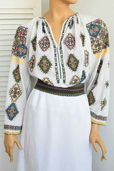 Bell Sleeves, Bell Sleeve Top, Dresses With Sleeves, Traditional, Long Sleeve, Model, Tops, Fashion, Moda