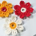 Crochet Some Pretty Flowers with These Free Patterns: Crochet Daisies