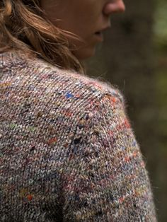 'Marl knit | Samuji sweater. It's made of Wool, silk and cashmere and the yarn is designed by Eisaku Noro' - hmm, I wonder which type of Noro yarn it is?