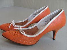 vintage heels in my favorite color!