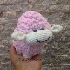 orgusepetleri:: Kuzucuk Bilgi ve sipariş içinDM #örgü#örgüoyuncak#oyuncak#bebek#crochet#crocheting#crochetaddict#ilovecrochet#annebebek#iganneleri#bebek#annesininkuzusu#kuzucuk#sheep#doll#amigurumi#amigurumis#bebekodası#toys#ganchillo#handmadetoys#huntgramturkey#istanbul