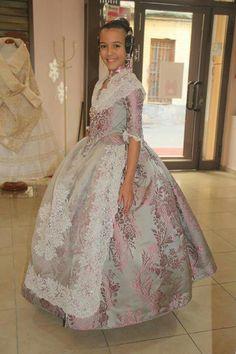 Sofia fmiv Folk Costume, Costumes, 18th Century Costume, Civil War Dress, Traditional Fashion, Julia, Ball Gowns, Formal Dresses, Skirts