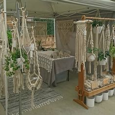 Market day Doors open at and we are here until - see you soon! Macrame Design, Macrame Art, Macrame Knots, Macrame Supplies, Macrame Projects, Macrame Curtain, Macrame Plant Hangers, Stand Feria, Craft Stalls