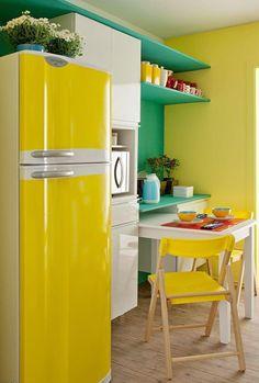 Renkli mutfak eşyaları ile renkli mutfak gereçleri konusunu ayırıyorum. Bu konuda genelde sade olan mutfaklarımızda renkli mutfak eşyaları