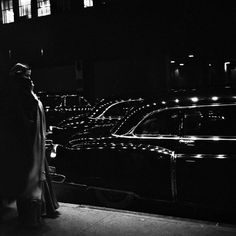 Eve Arnold, Outside a premiere at the Metropolitan Opera in New York, 1950.