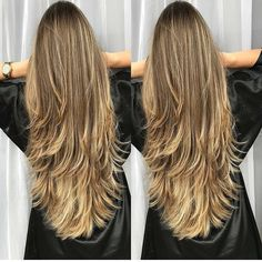 34 Cutest Long Layered Haircuts Trending in 2019 - Style My Hairs Haircuts For Long Hair With Layers, Long Layered Haircuts, Long Hair Cuts, Long Hair Styles, Cabelo Ombre Hair, Balayage Hair, Blonde Hair Looks, Breaking Hair, Trending Haircuts