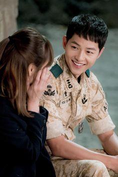 Descendants of the Sun Yoo Si Jin and Kang Mo Yeon