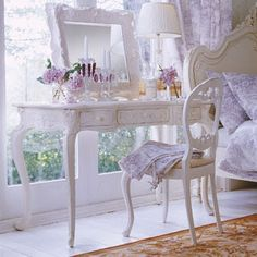 Inspiration: makeup table / vanity / dressing table