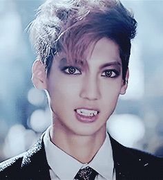 BOYFRIEND youngmin witch