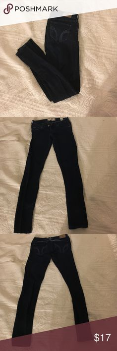 Hollister stretch skinny jeans Super stretch and super skinny hollister jeans. Navy/dark blue. Very comfortable and great condition! 26W 31L Hollister Jeans Skinny