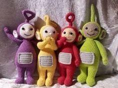 Not English though. Crochet Baby Toys, Baby Hats Knitting, Knit Or Crochet, Crochet Patterns Amigurumi, Crochet For Kids, Amigurumi Doll, Crochet Animals, Crochet Dolls, Crochet Disney