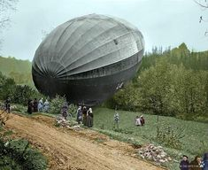 Zeppelin LZ 49 attacks Paris, crashes on the return journey and is captured, 1916 Zeppelin, Ww1 Soldiers, Future Transportation, War Photography, Ww2 Aircraft, World War One, Luftwaffe, Dieselpunk, Military History