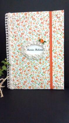 Caderno Decorado com crochê e pérolas! Singelo e delicado.