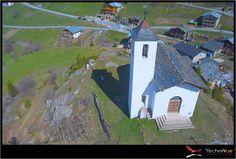 Photo aerienne  drone village Montvalezan Eglise - TechniVue
