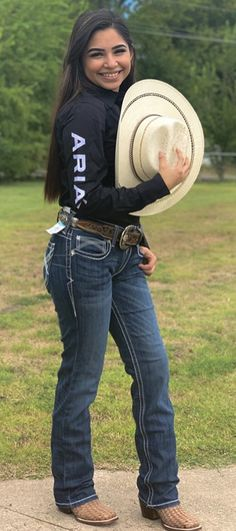 Country Chic Outfits, Cute Cowgirl Outfits, Rodeo Outfits, Western Outfits, Cute Outfits, Mexican Fashion, Mexican Outfit, Foto Cowgirl, Looks Country