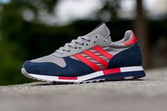 Adidas Originals have such an intensely deep back catalogue of sneakers, if they were all to appear back on planet Earth all at once we'd all be drowning in a three stripe swamp. The Centaur is a tasty example of just how tidy retro running can be, and these classic colourways are transporting us way, way back! Hey, Uncle …