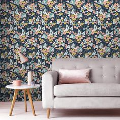 Lily Multicolor Wallpaper
