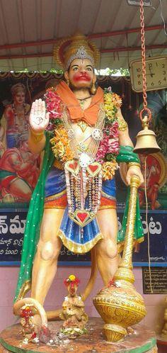 Hanuman Ji Wallpapers, Shri Hanuman, Muslim Beauty, Hindu Deities, Hindus, Indian Gods, Sculpture Art, Dragons, Jay