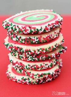 Christmas Swirl Sugar Cookies - 15 Merry Christmas Cookies | GleamItUp