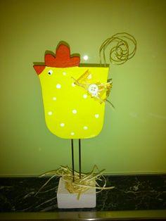 Ostern; Henne; Frühling; Draht; Holz; Dekupiersäge; Stichsäge Cool Art Projects, Wooden Projects, Wood Crafts, Diy Projects, Cute Crafts, Diy And Crafts, Spring Toddler Crafts, Toy Workshop, Chicken Crafts