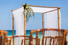 perfect ceremony decor for a beach wedding