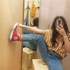 How To Wear Red Converse Fashion Jeans 21 Ideas For 2019 Retro Outfits, Grunge Outfits, Vintage Outfits, Cool Outfits, Casual Outfits, Converse Haute, Red Converse Outfit, High Top Converse Outfits, Converse Fashion