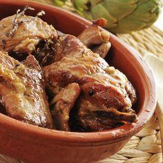 ΚΟΥΝΕΛΙ ΣΤΟ ΦΟΥΡΝΟ ΜΕ ΓΙΑΟΥΡΤΙ Greek Recipes, Meat Recipes, Recipies, Chicken Wings, Carne, Sausage, Food And Drink, Pork, Turkey