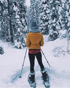 Wandering via snow shoes is like 😍🙌🏼😍🙌🏼 Our WANDER beanie seen here on @megwalker21 (pssst...remember it's not too late for last minute gifts to arrive in the U.S.! Choose standard shipping and your order will be upgraded to priority shipping for free!) #nrthwst