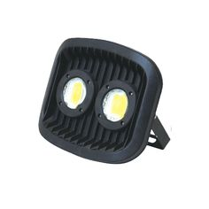 DIMENSIONES 21 18 10CM POTENCIA 30W Flujo luminoso 2700lm La eficiencia de la lámpara 90-100lm w Voltaje de entrada