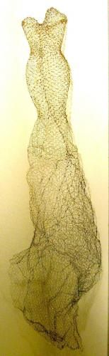 "Adrienne Jalbert ~ ""La Sirène"" fils métalliques via adriennejalbert.com | Sculptures-Robes Habitées   ©Adrienne Jalbert"