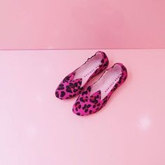 Purrr  Kitties waiting for you to jump in! Selina ballerinas in leopard now in 30% sale. Visit us by the Universum! We're open until 5 pm. ⚡️